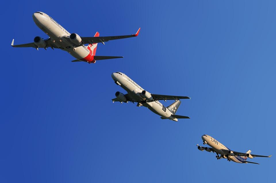 BOEING-AVION-737MAX8
